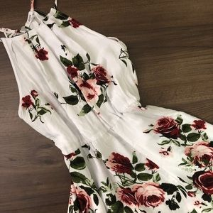 NWT Floral Sleeveless Dress